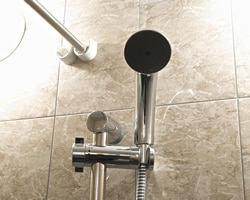 浴室シャワーの取付位置
