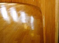 ウレタン塗装の床